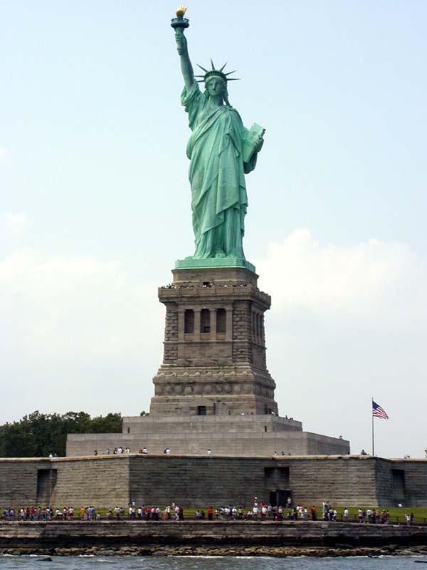 http://parangaricutirimicuaro.blogspot.com/statue_of_liberty.jpg